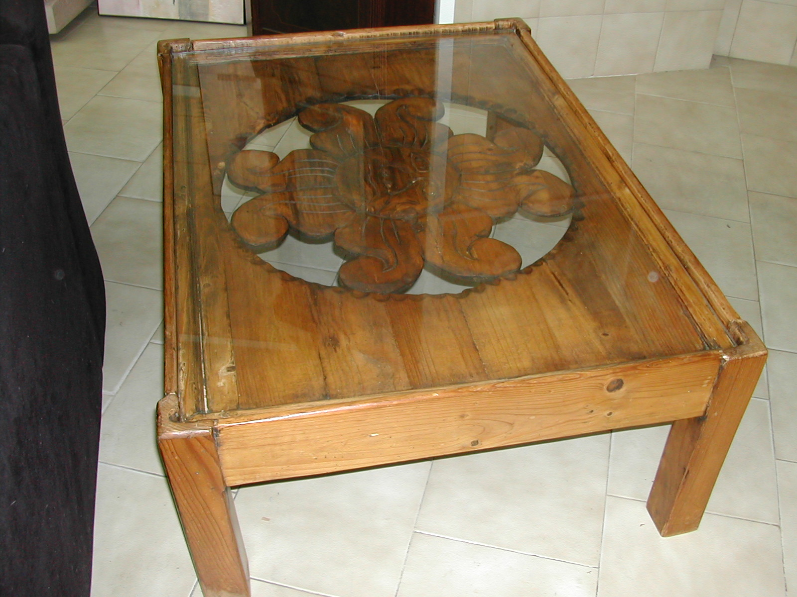 Beautiful Unusual Coffee Table With Glass Top Nerja Household Centre Second Hand Furniture Nerja