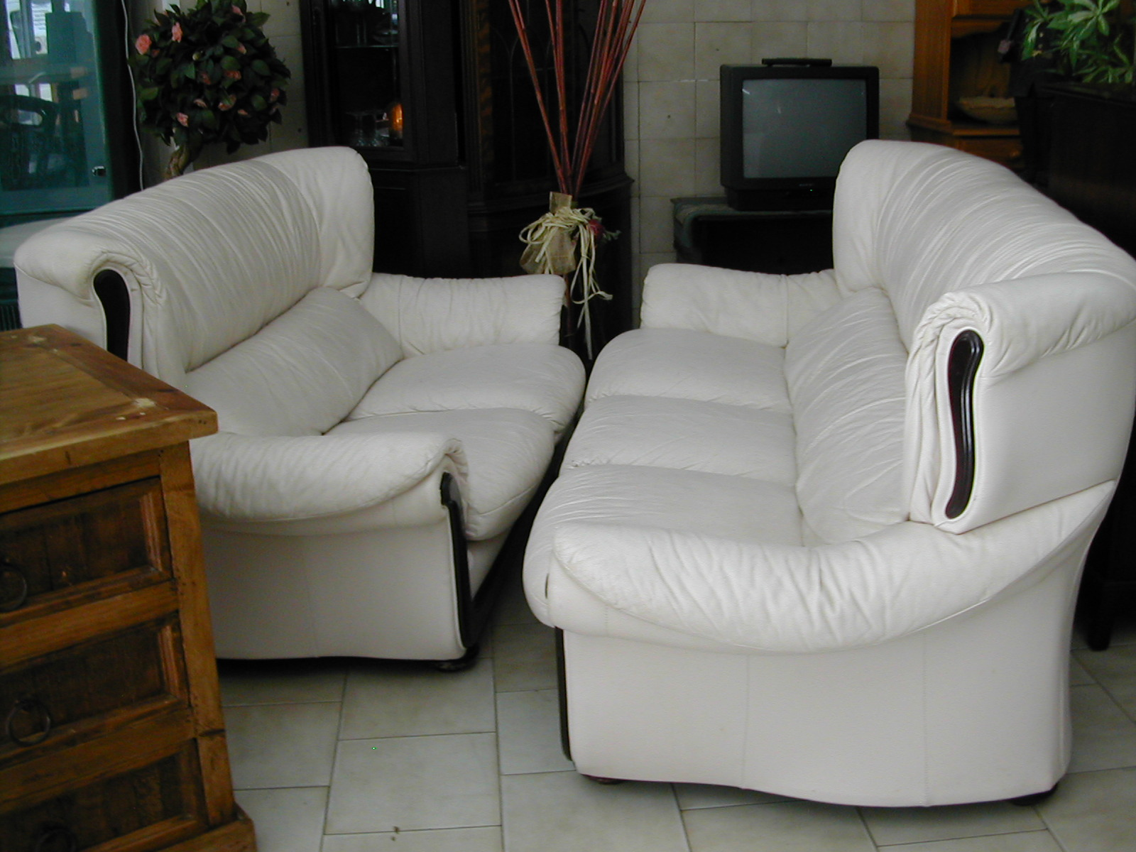 Matching 3 Seater Sofa And 2 Seater Sofa Nerja Household Centre Second Hand Furniture Nerja